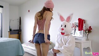 A alms-man dressed with an Easter bunny vestment fucks two bad girls