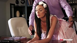 After fucking wild on the table brunette Marley Brinx is mouthfucked wide of Ramon Nomar
