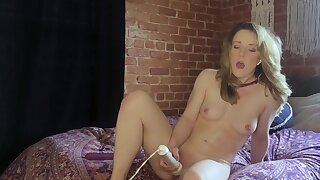 Slender cutie Kate Kennedy dominated unconnected with versed via webcam