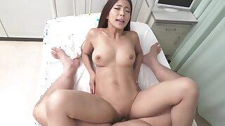 Japanese amateur floozie diverting porn clip
