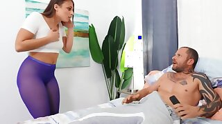Young knockout makes boyfriend happy by charter out drill her asshole